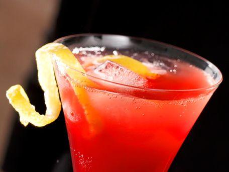 Pomegranate Champagne Punch #holidayentertaining and #huffposttaste
