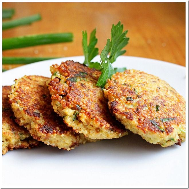 Spring Herb Quinoa Patties by two-tarts.com #Quinoa_Patties #two_tarts