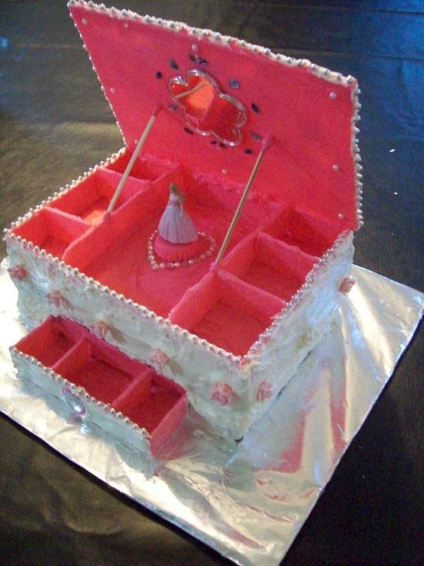 Cake Ideas From Cake Box : Jewelry Box Cake