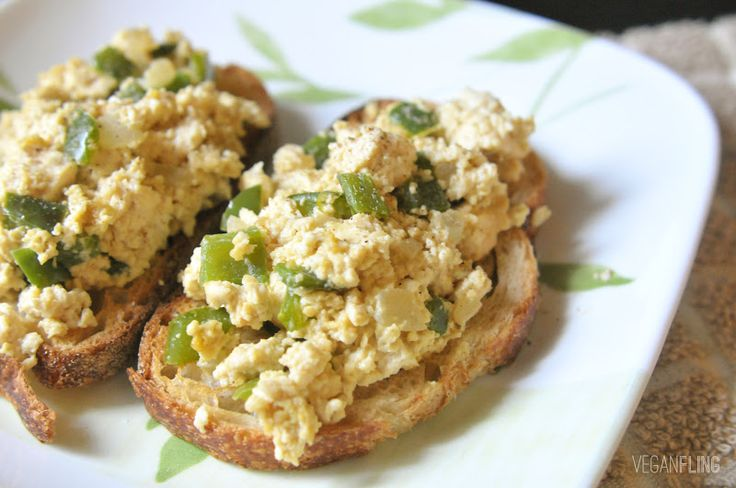 Tofu Scramble Toasts: so easy to make, and a protein-packed breakfast ...