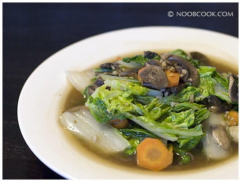 Stir-fried Napa Cabbage with Button Mushrooms and Carrots