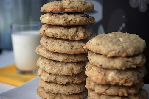 White chocolate almond chunk cookies | Favorite Recipes | Pinterest