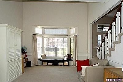 Cute Bay Window Sitting Area W Curtains Dream Home