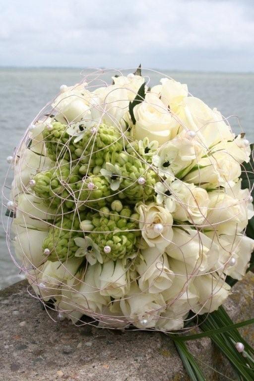 wedding flowers roses eskimo and ornitogalum