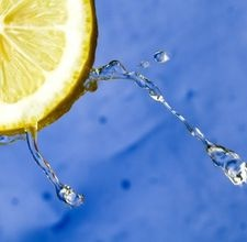 How to Wash Your Hair With Lemon Juice