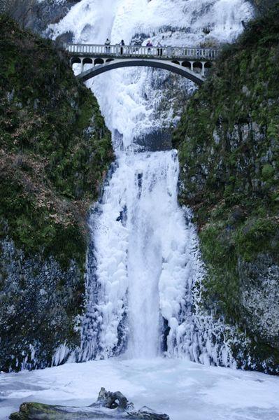 Frozen Multnomah Falls, Oregon   Nature's Ice   Pinterest