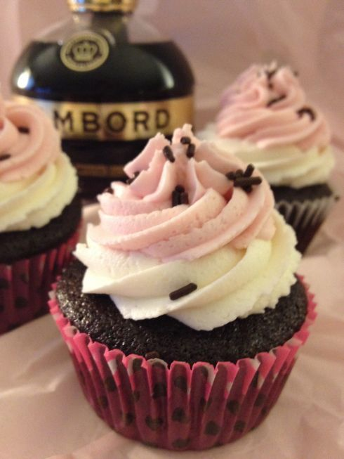 Neapolitan cupcakes with Chambord buttercream frosting. Perfect for ...