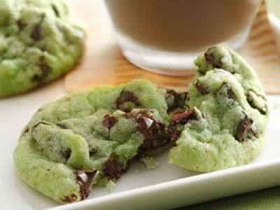 Mint chocolate chip cookies. I'd love these straight out of the oven! St pattys day