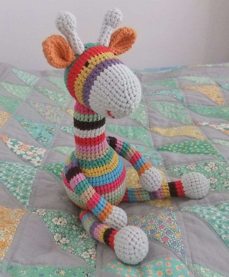 Amigurumi Giraffe Free Crochet Pattern : Pin by Janis Davidson on crocheted toys Pinterest