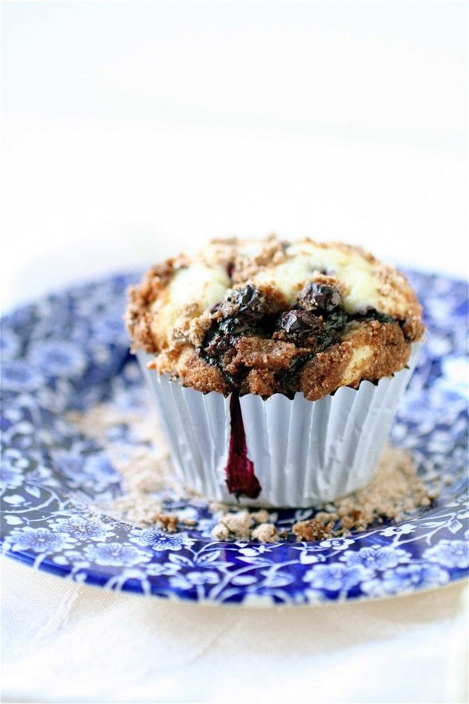 Blueberry Crumb Muffins | The Curvy Carrot Blueberry Crumb Muffins ...