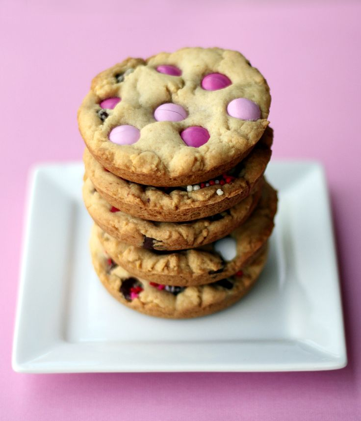 Valentine's Chocolate Chip M & M Cookies | Cookies | Pinterest