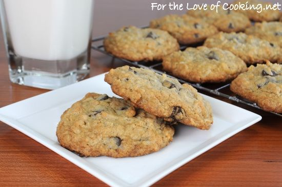 Granola cookies w/ cho chips