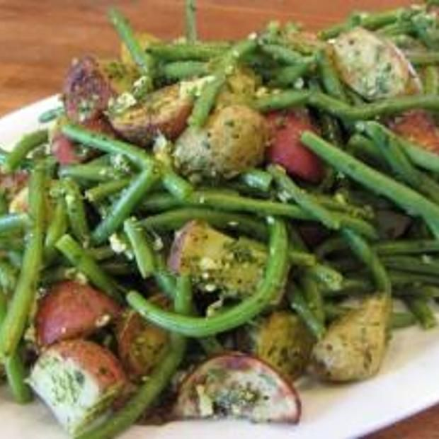 Oven roasted green bean salad with skinny basil pesto!
