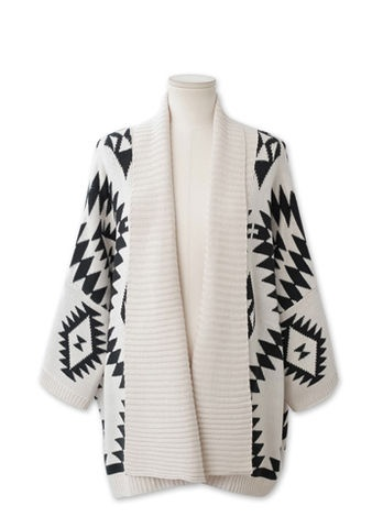 Find and save ideas about Aztec sweater on Pinterest. | See more ideas about Winter sweater outfits, Cheap fall outfits and Aztec autumn dresses.