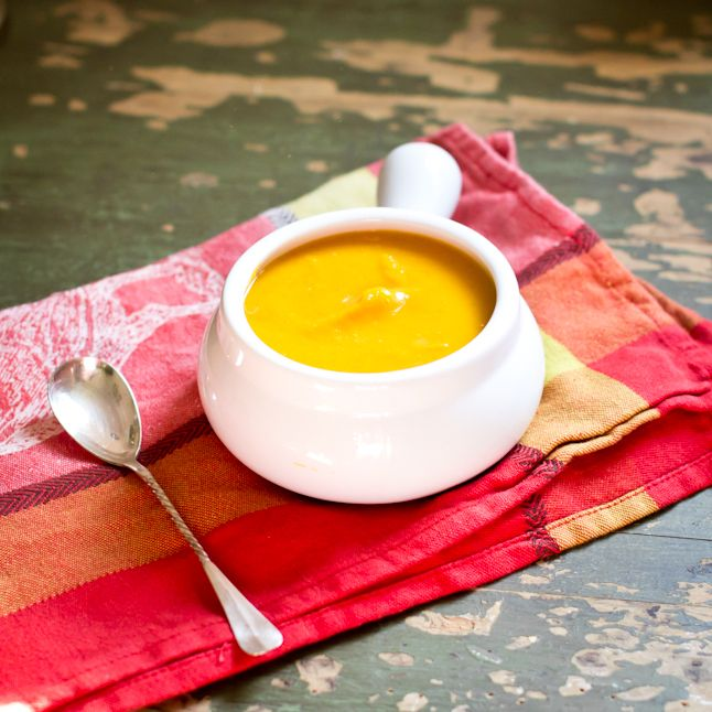 Perfect for fall! Coconut Curry Butternut Squash Soup Recipe! Focal ...
