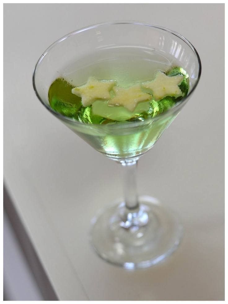 Green Appletini | Mixology | Pinterest