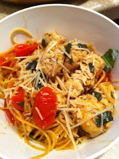 Mama Feta's Meals: Spaghetti with Sauteed Chicken and Grape Tomatoes