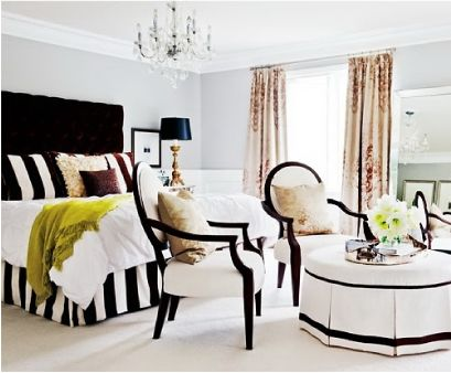 Loving the bold stripes and pops of color!
