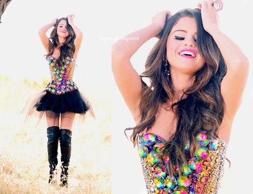Lovee Selena