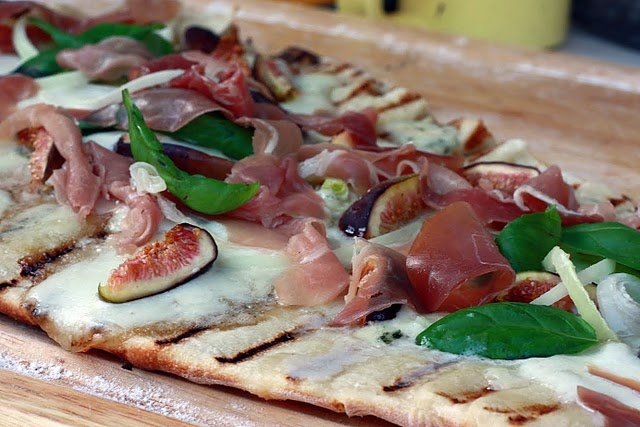 Pizza Bianca With Prosciutto And Fig Recipe — Dishmaps