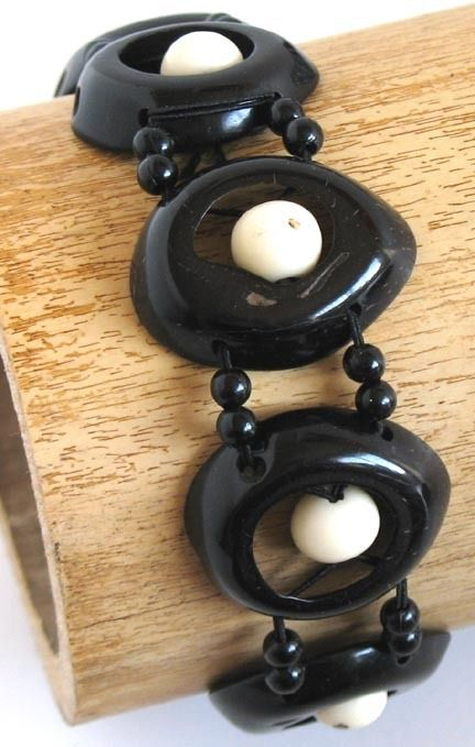Natural Artist - Coconut Bracelet - Davia, $16.00 (http://naturalartist.com/coconut-bracelet-davia/)