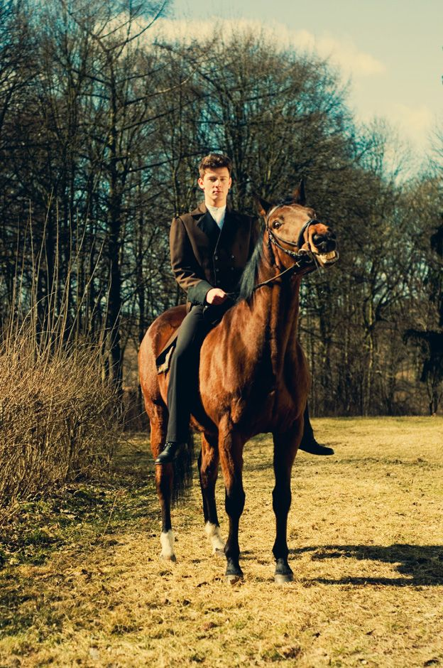 photo, horse, fashion, male model, photography, editorial, woods, forest, trees
