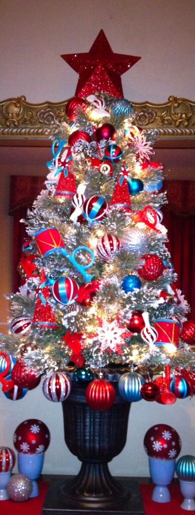 Blue Red And White Christmas Tree Christmas Inspiration