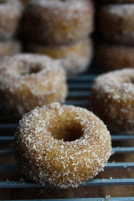 Pumpkin Spice Donuts! YUM | The baker in me | Pinterest