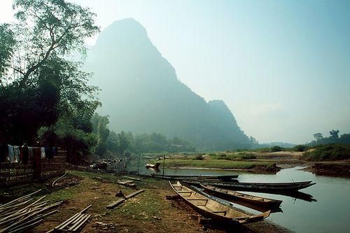 Thị trấn Muang Ngoi Neua nằm bên bờ con sông Nam Ou