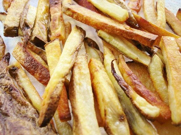 Crispy Oven Baked French Fries | Must Try Recipes | Pinterest