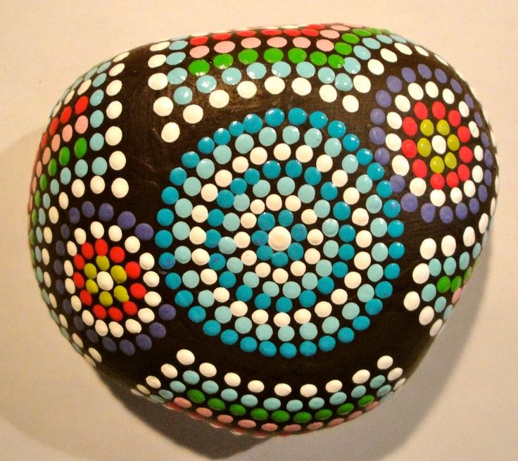 Rock craft crafts pinterest for Crafts using stones