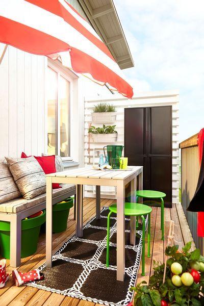 Le balcon devient une pièce à vivre aux beaux jours - Plus de photos de balcons Ikea sur Côté Maison http://petitlien.fr/723x