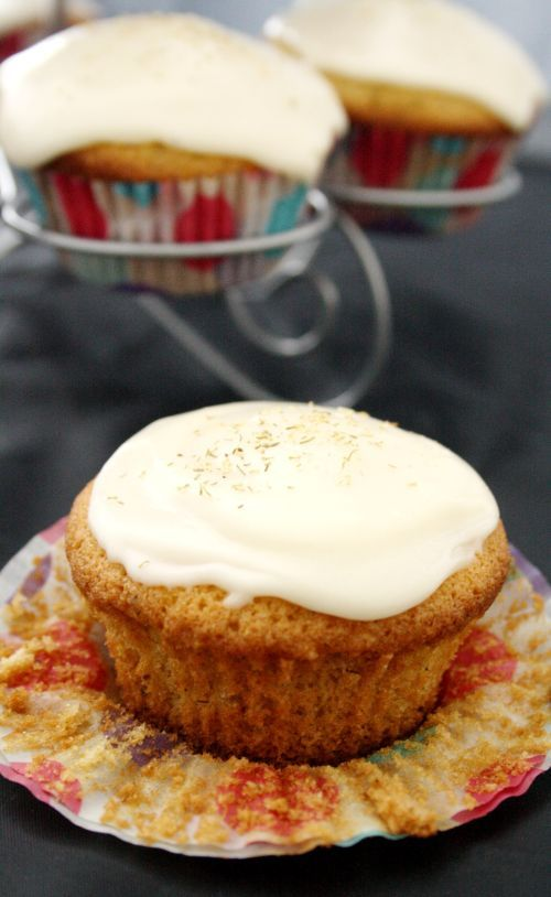 Chamomile Cupcakes with Honey Frosting | Desserts | Pinterest
