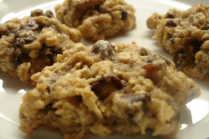 ... High Fiber Oatmeal Cookies. molasses, pumpkin pie spice, almonds, oat