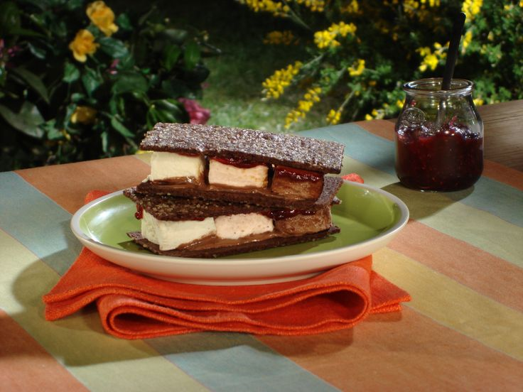Homemade Chocolate Graham Cracker S'mores Recipe — Dishmaps
