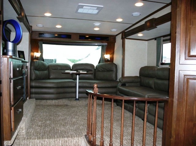 Front living room five slide fifth wheel 39 ln terry town rv