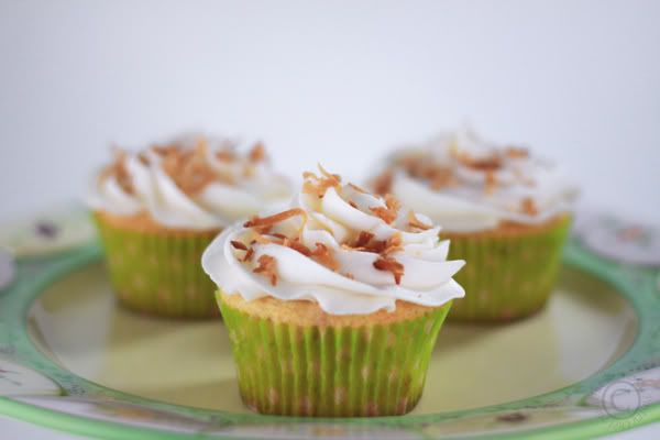 Key Lime Coconut Cupcakes | Cupcakes Maniac | Pinterest