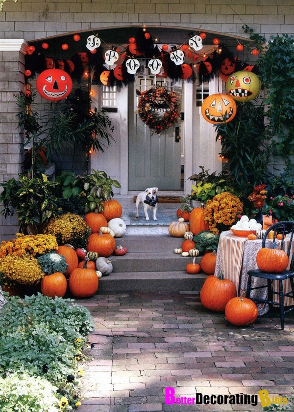 Halloween porch decorating autumn fall decorating for Pinterest halloween outdoor decorations