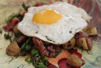 Broccoli prosciutto potato hash | I love food | Pinterest