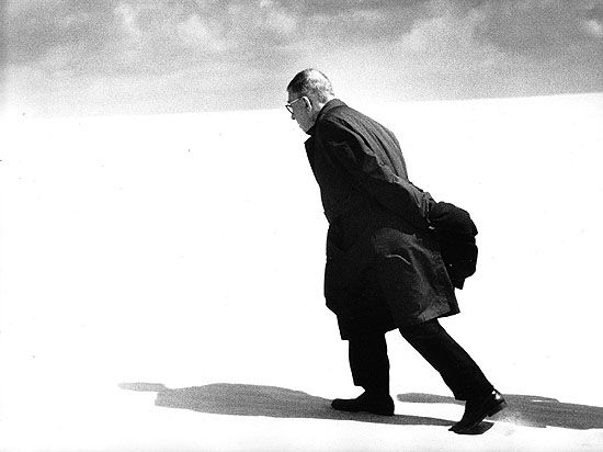 Antanas Sutkus - Jean-Paul Sartre in Lithuania. Nida, 1969