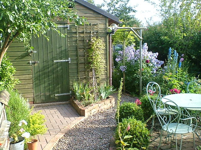 Small back garden cottage style gardening pinterest for Small back gardens