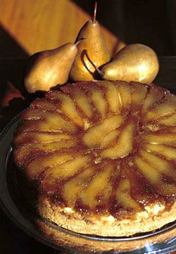 ... COFFEE CAKE: A small twist on a tradition upside down cake #pear #cake