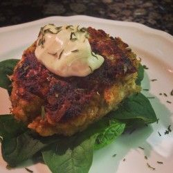 Crab Cakes for 2 with Old Bay Garlic Aioli | The Southern Mrs.