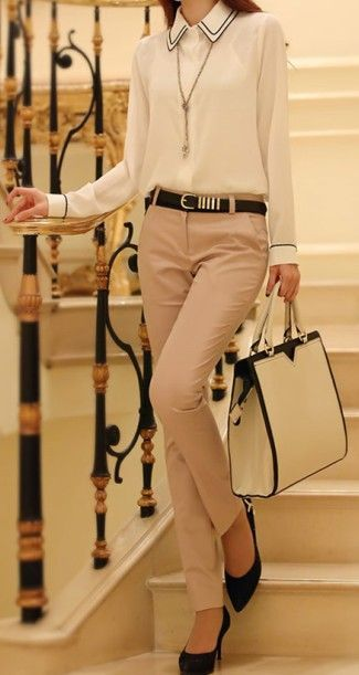 fall fashion | Neutral + Ivory & Black ensemble.  Dress pants sans pleats. Pleats can make you look so awful 80s mom.