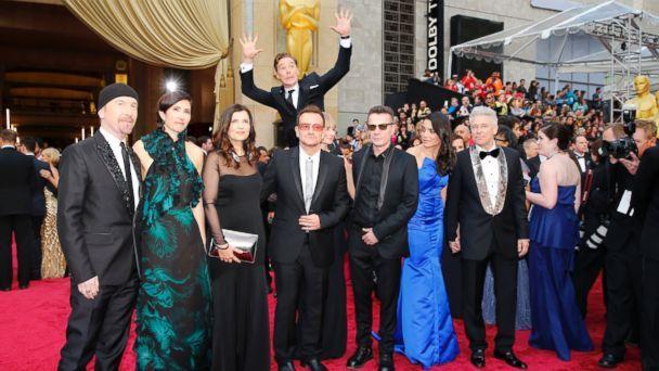 Benedict Cumberbatch photobombing U2