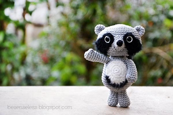 Amigurumi Raccoon Pattern Free : amigurumi raccoon Amigurumis Pinterest