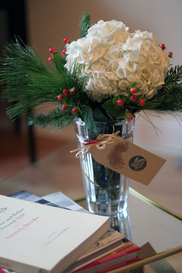 christmas centerpiece | MERRY & BRIGHT | Pinterest