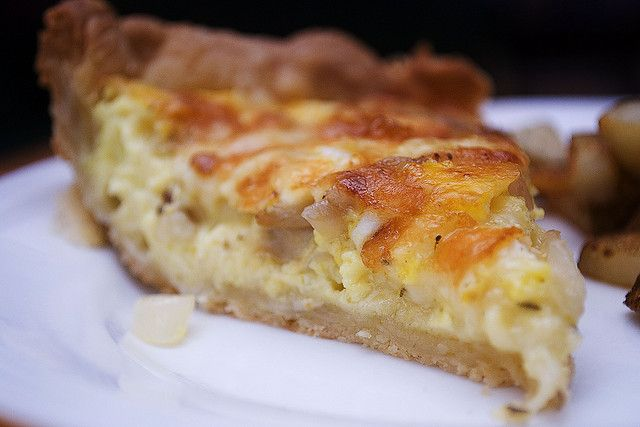 Caramelized Onion and Gruyere Quiche | Pies & Pastries | Pinterest