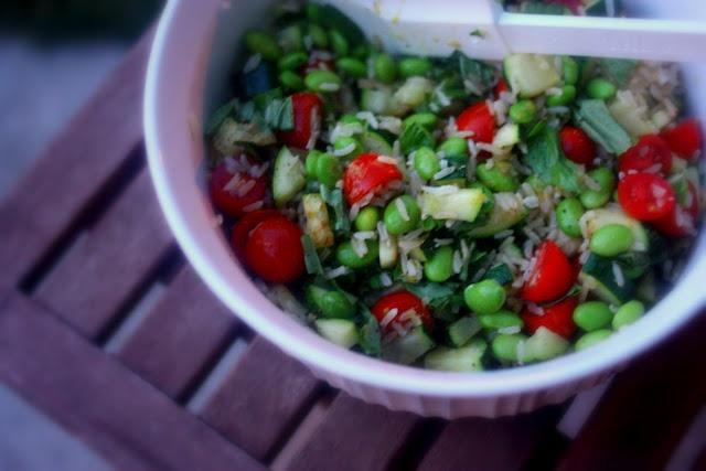 summer veggie rice bowl w/ brown rice, zuchinni + edamame | Happy Jack ...