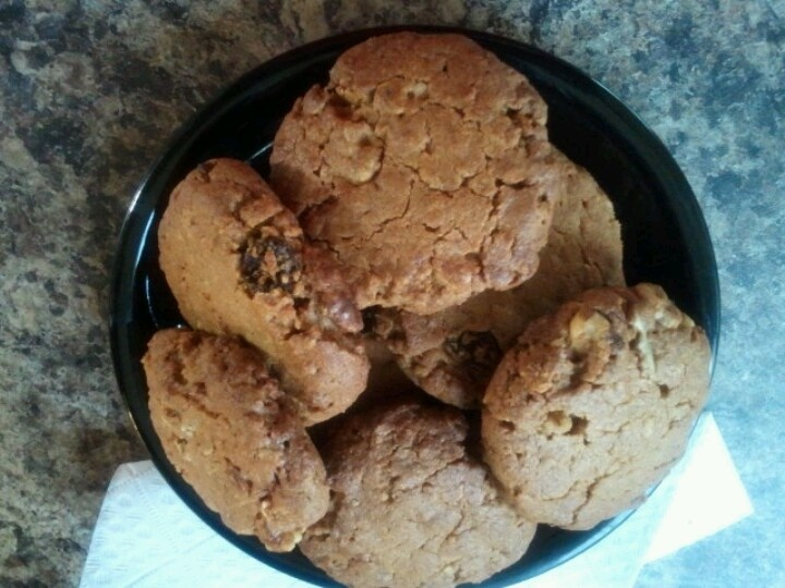 Just made'em....No flour PB & Granola cookies. 1Cup natural pb, 1 cup...